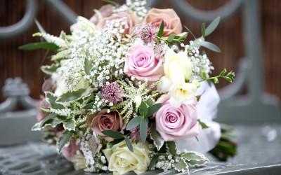 Expert tips for choosing wedding flowers