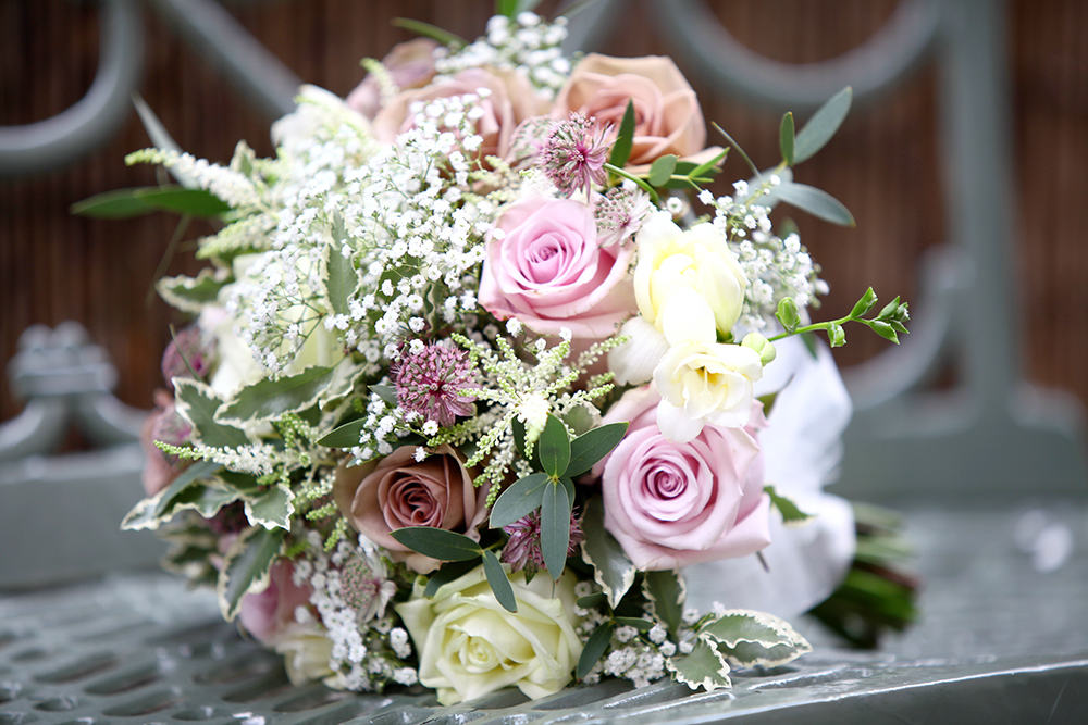 The perfect flowers for your wedding venue